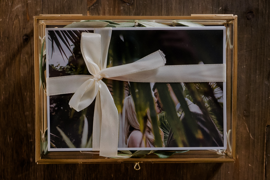 "packaging wedding glass box 5x7"" with fineart prints"