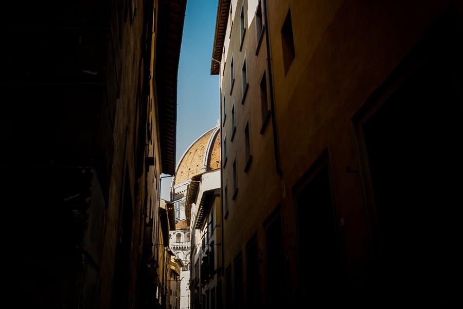 Cupola of Brunelleschi florence street town center