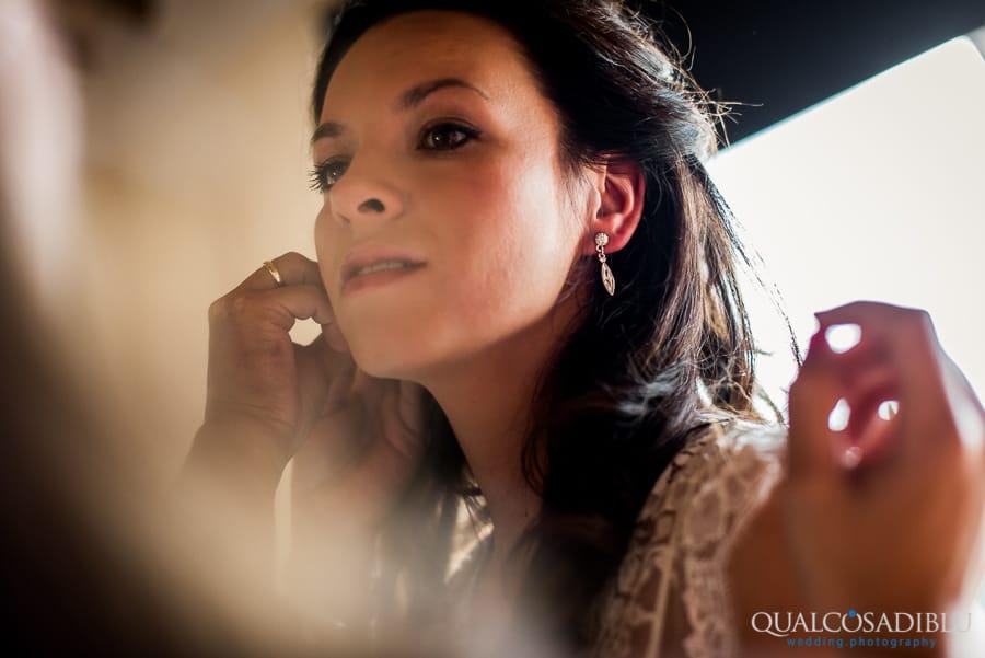 earrings bride detail