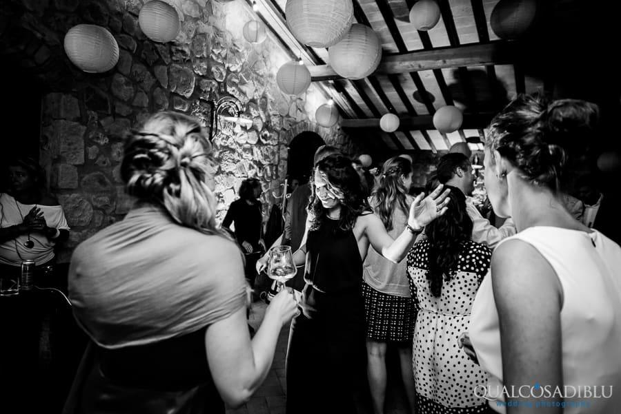 wedding party borgo della meliana certaldo black and white