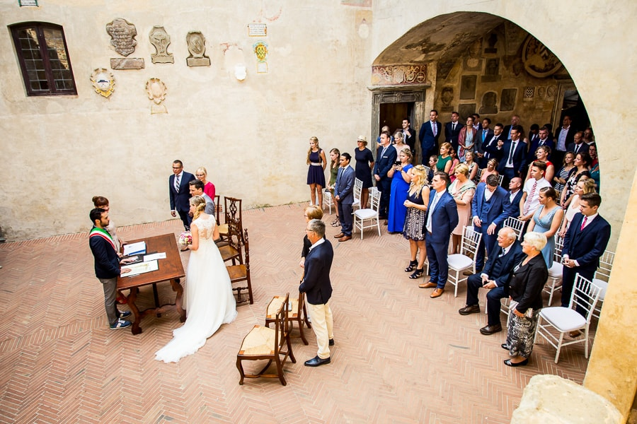 wedding ceremony palazzo pretorio certaldo