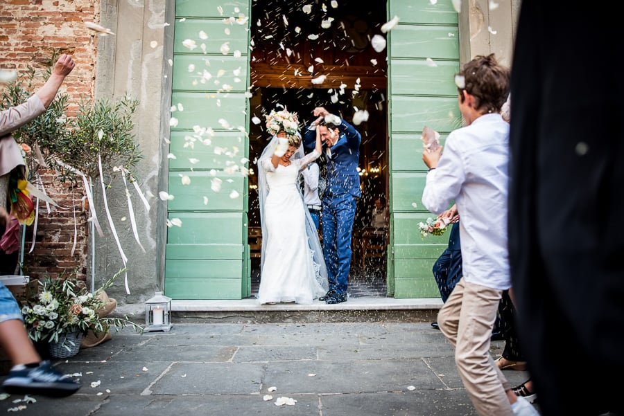 bride groom exit launch confetti rice church