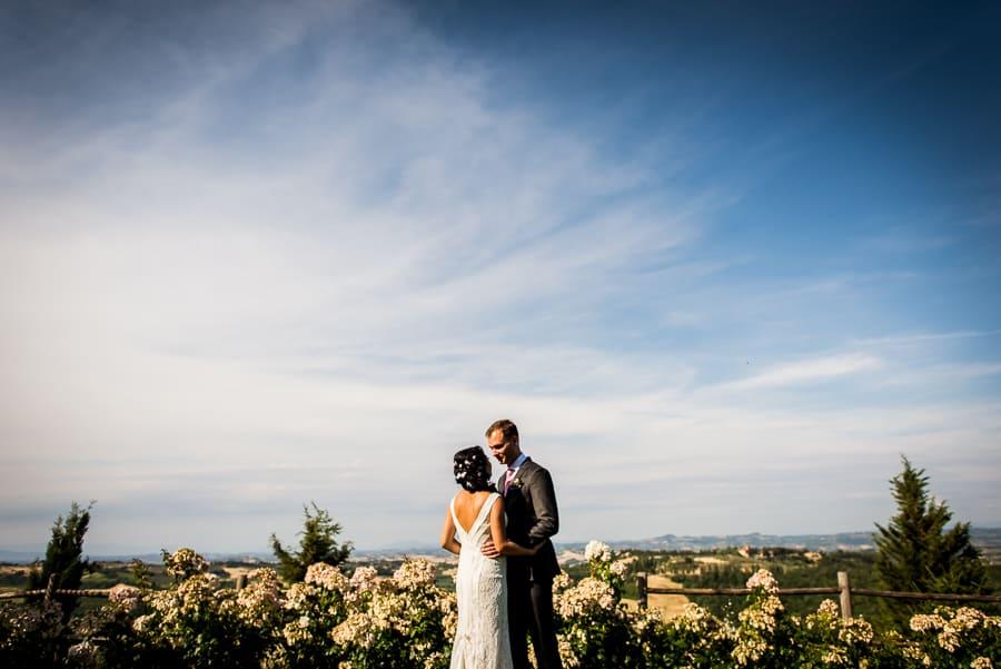 happy couple in love fattorie santo pietro