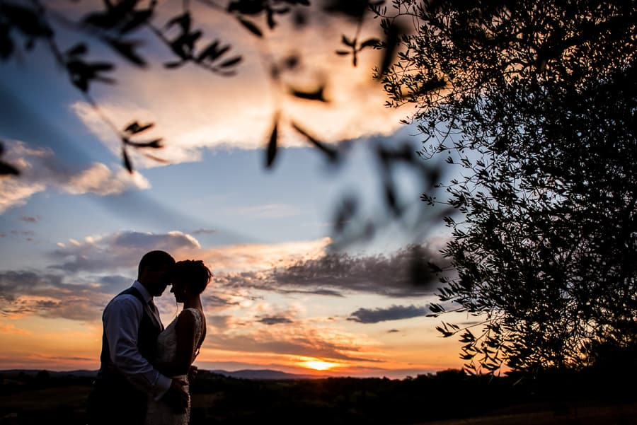intimate moment sunset borgo stomennano