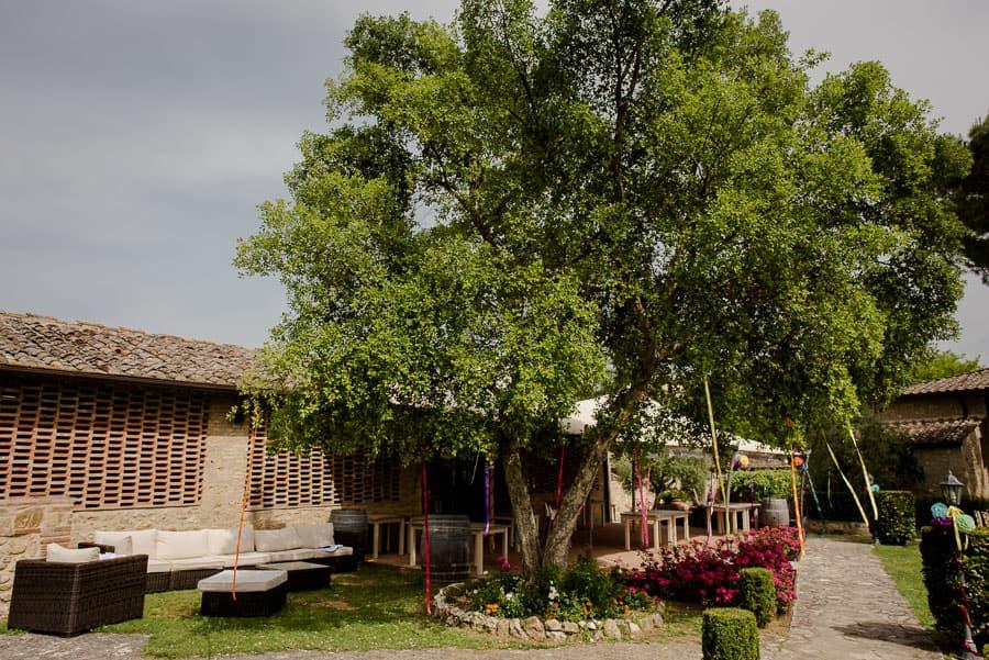 croce di bibbiano restaurant garden
