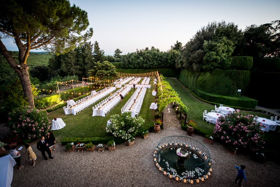 Fattoria Montecchio wedding tables and decorations in the garden