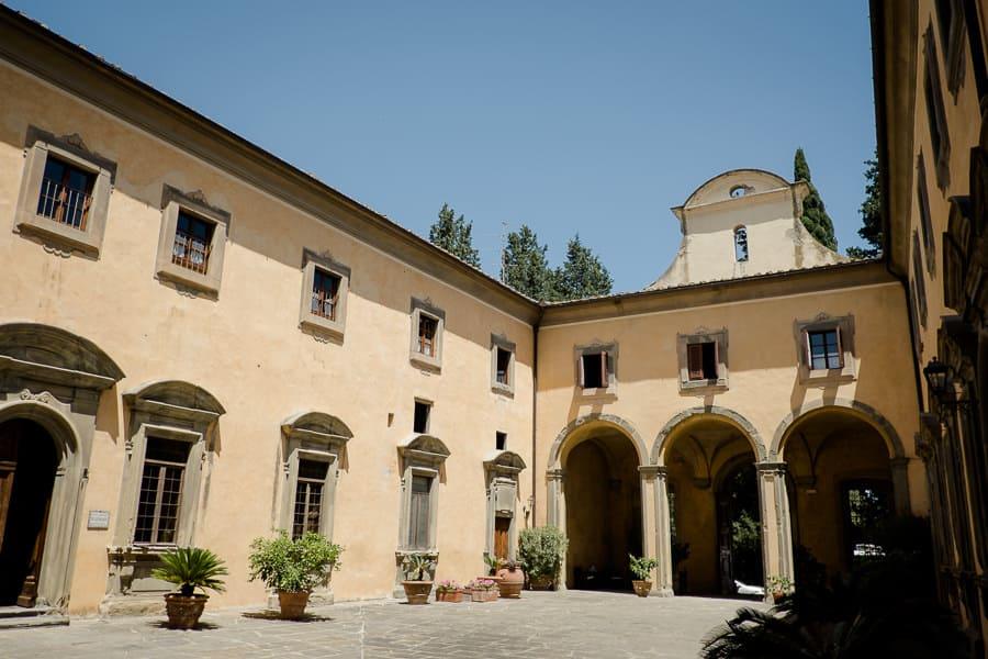 castello di montegufoni courtyard