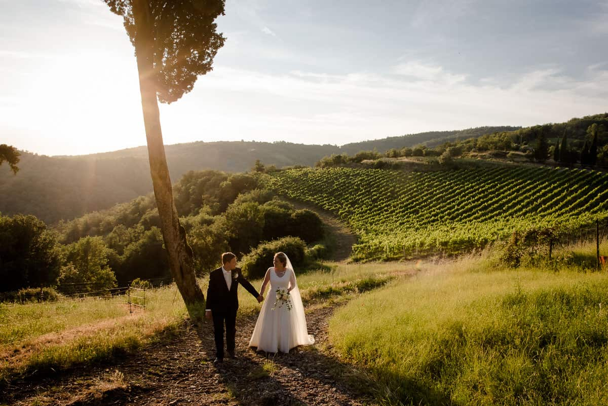 borgo castelvecchi wedding couple with panoramic view