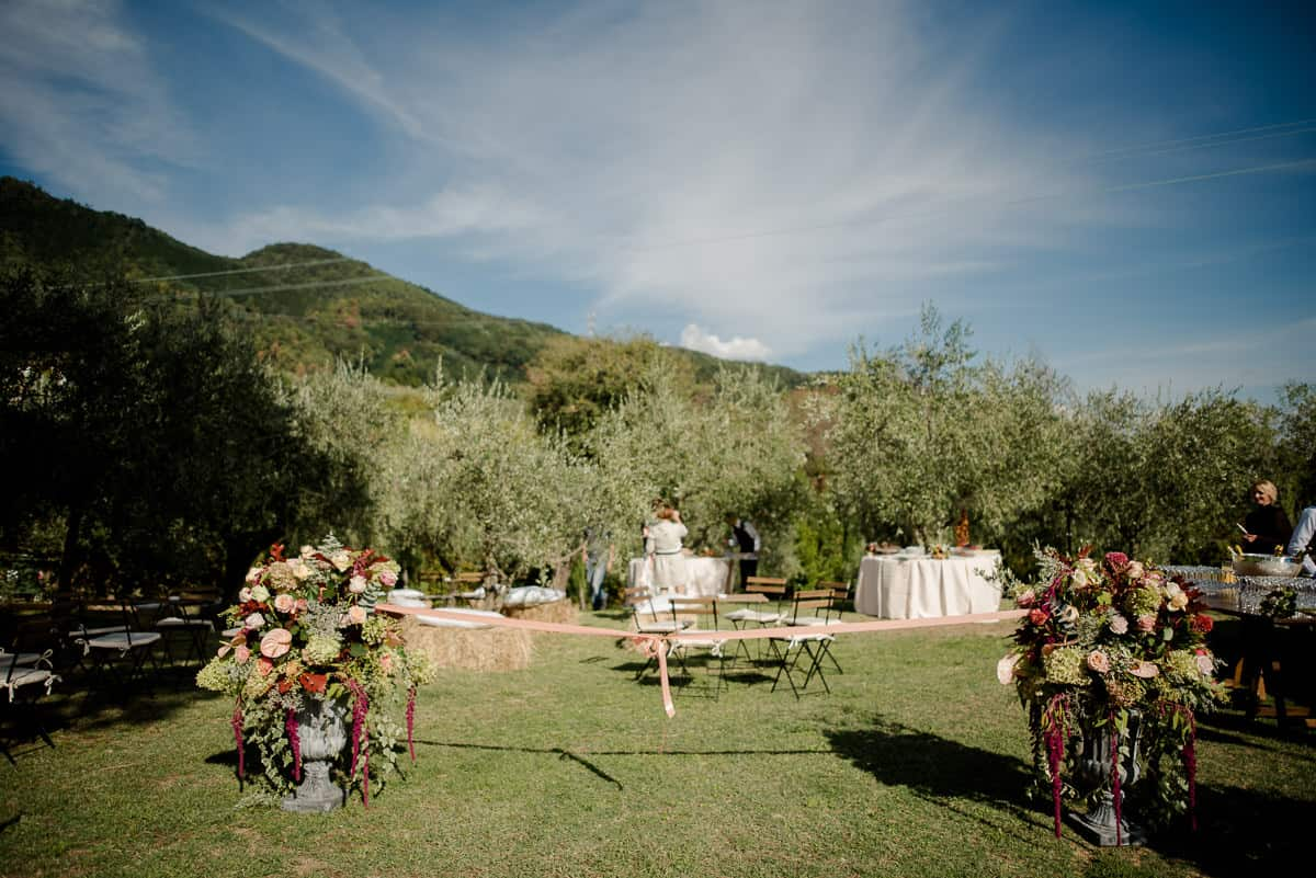 casale pasquinelli garden with olive trees