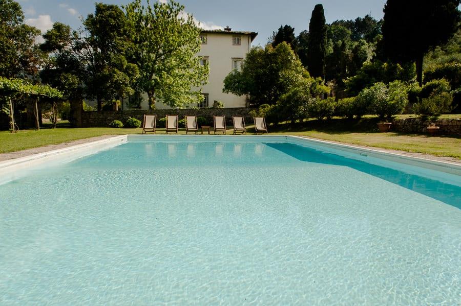 villa buonvisi swimming pool