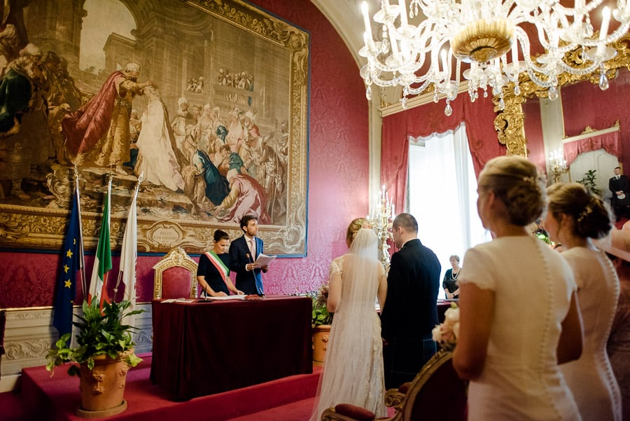 wedding ceremony in the red hall in palazzo vecchio florence