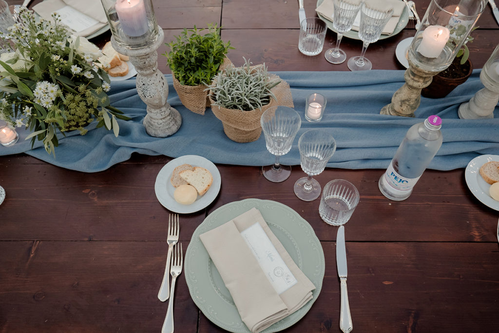 Linen table runners tuscany Wedding Centrepiece