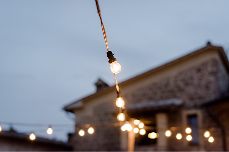 string lights at tenuta di papena
