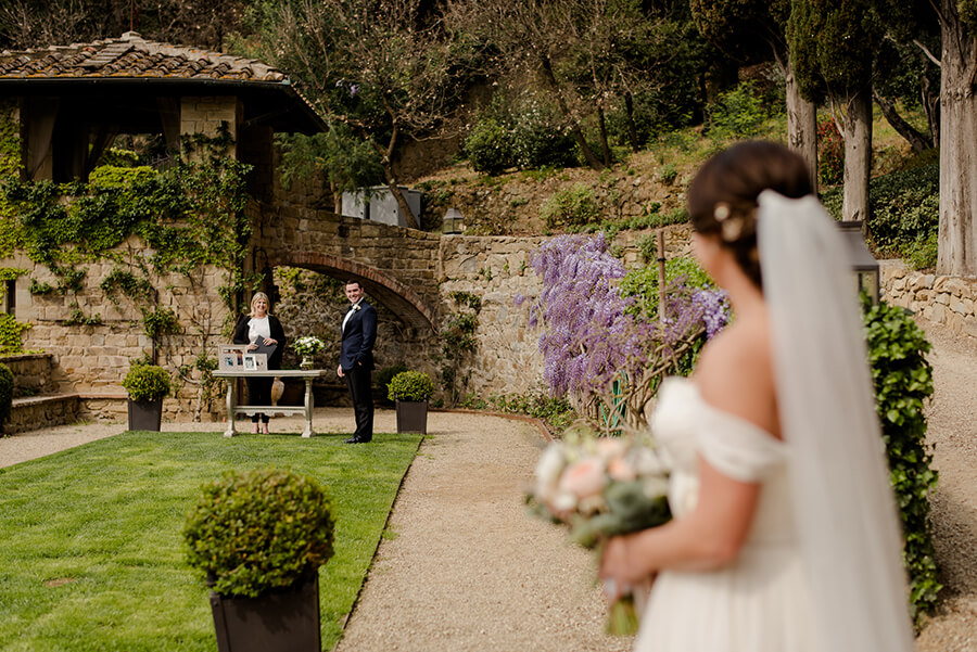 Here comes the bride at Villa Le Fontanelle