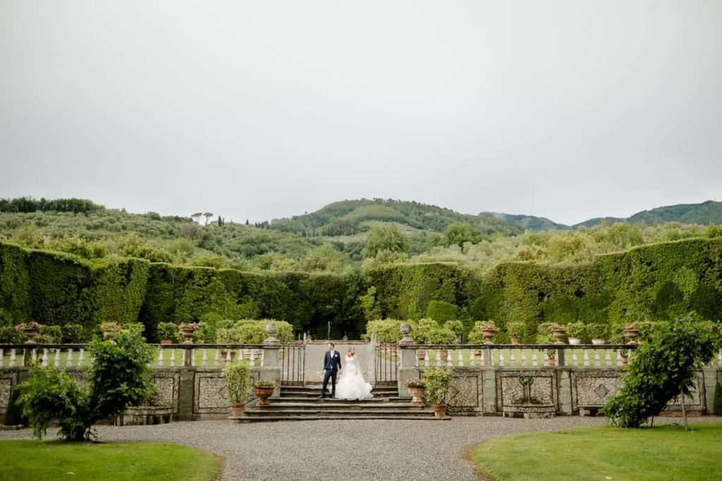 Villa Grabau's Gardens with bride and Groom
