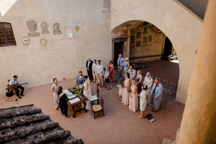 wedding ceremony in Certaldo