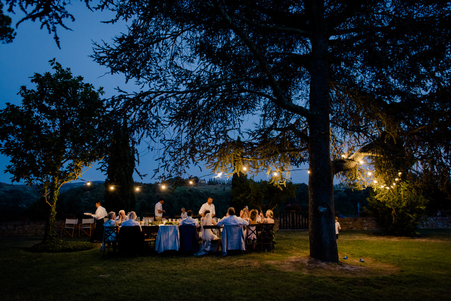 dinner in the garden of villa piaggia montaione