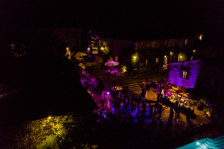 wedding danceparty viewed from the top at borgo stomennano