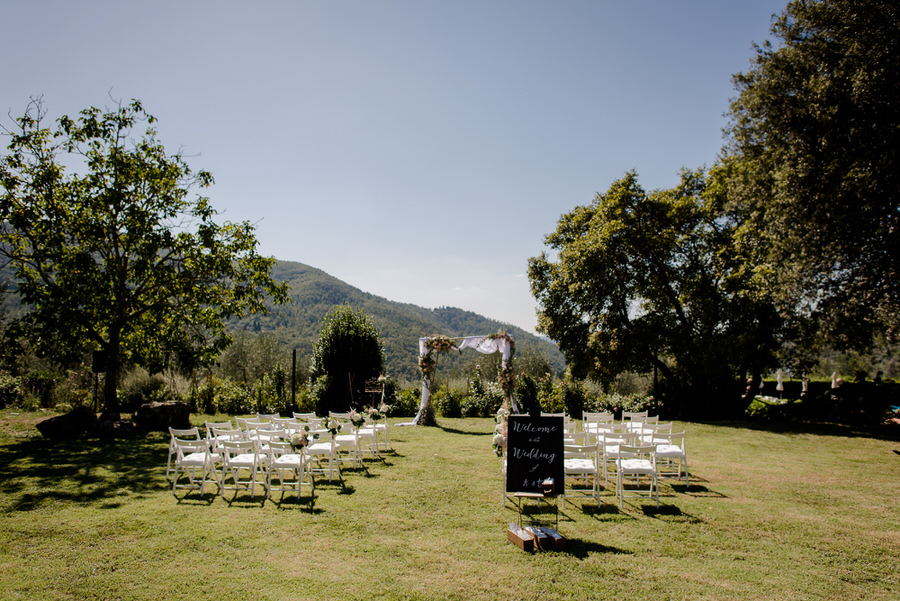 ceremony setting in a garden at Borgo i Vicelli Florence