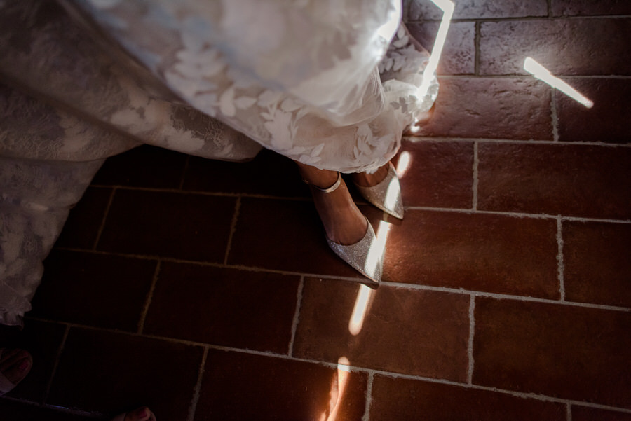 bridal shoes with light stripes