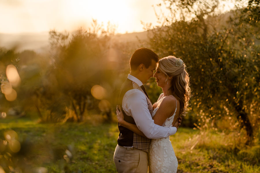 intimate moment of a wedding couple during the golden hour at Borgo i Vicelli Florence
