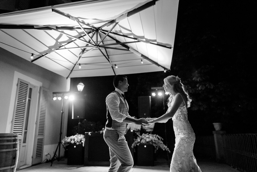 bride and groom wedding dance