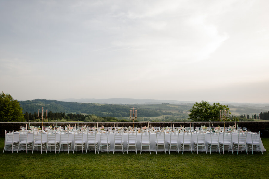 Long Wedding Table in tuscany