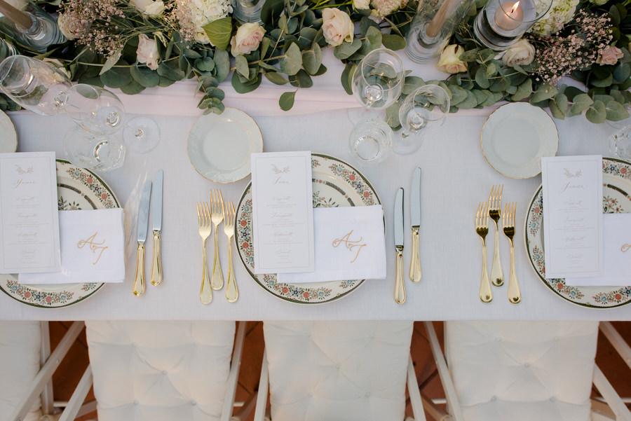 elegant wedding style table setting