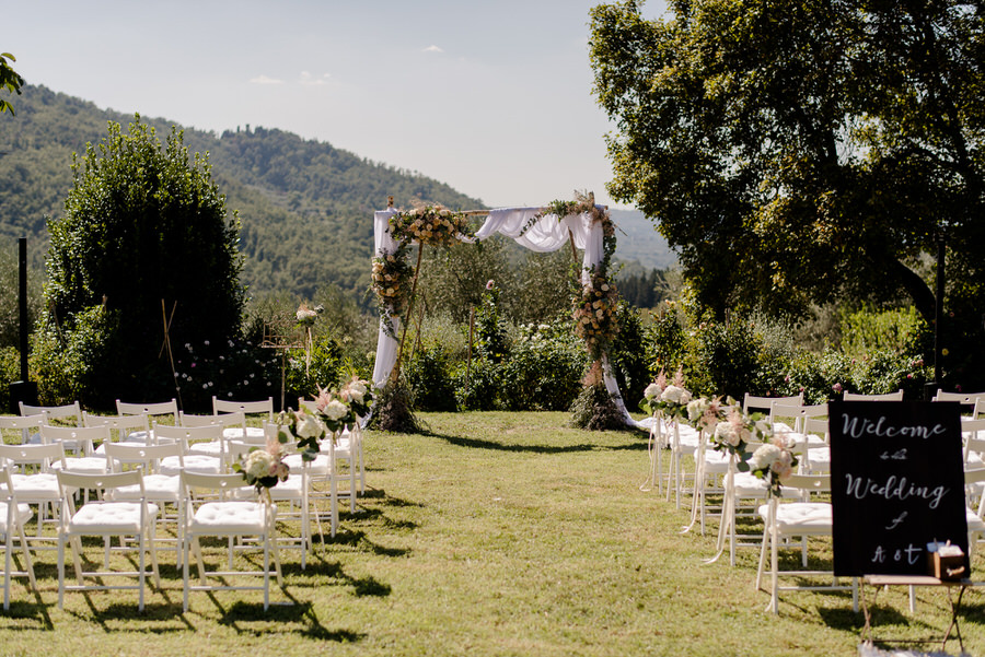 Ceremony setting in the garden at Borgo i Vicelli Florence