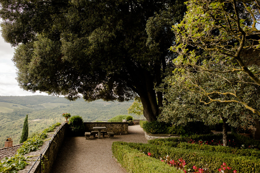 wonderful garden of Castello di Vicchiomaggio, Greve in Chianti