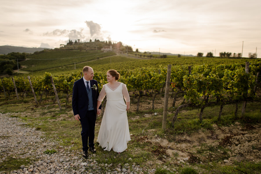 a romantic couple at Castello di Vicchiomaggio, Greve in Chianti