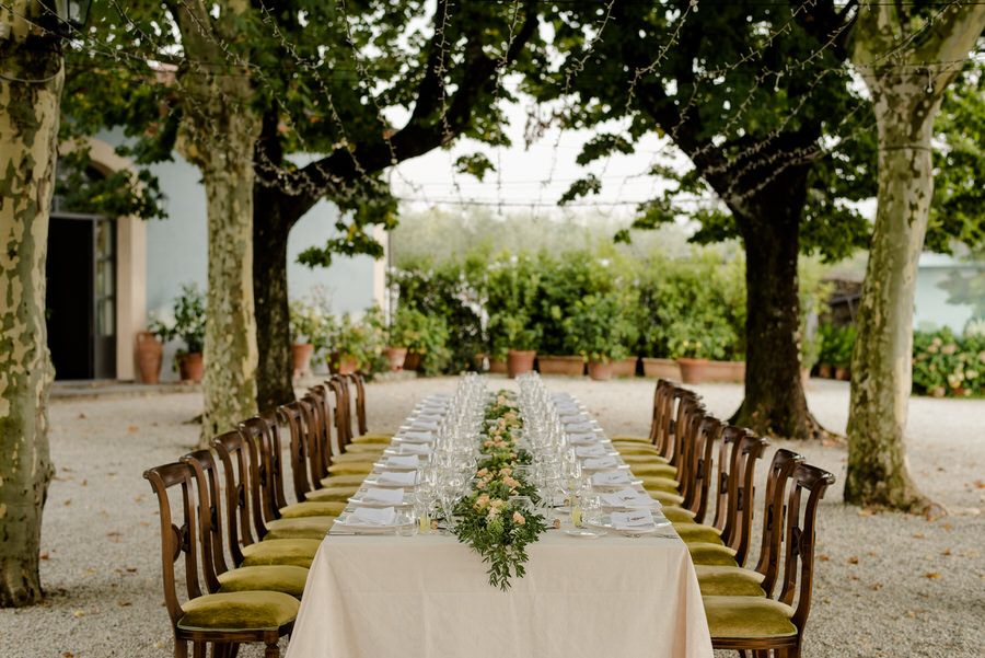 Wedding dinner long table at Villa Daniela Grossi, Capannori, Lucca