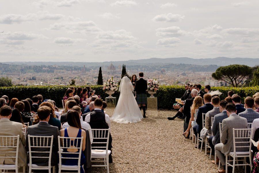 Wedding ceremony at Villa il Garofalo