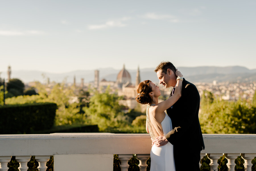 romantic couple at the balcony of Villa La Vedetta Florence