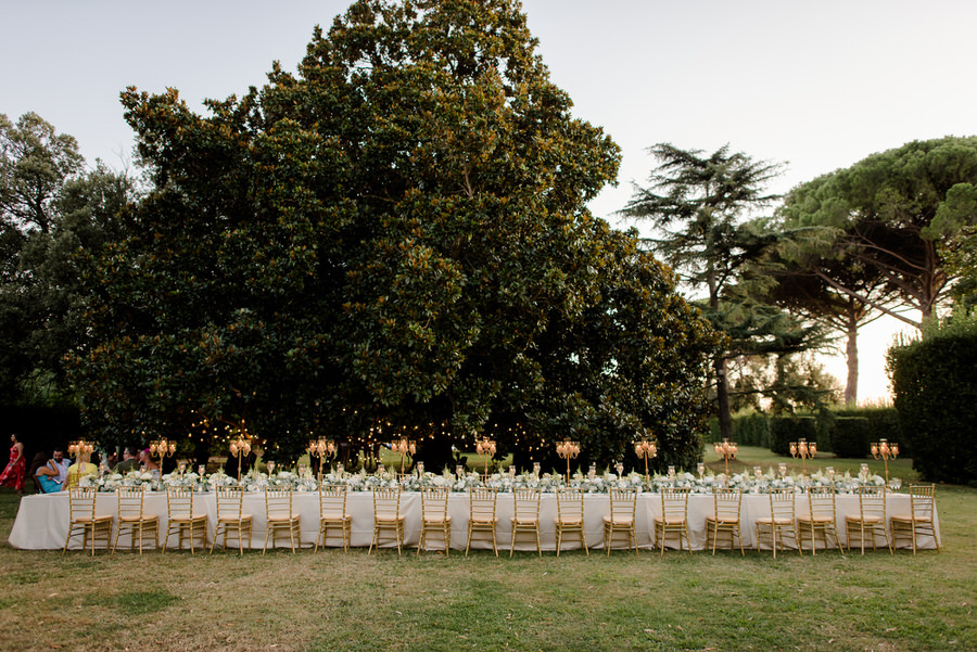 Garden with long wedding table at Villa Ravano, San Giuliano Terme, Pisa