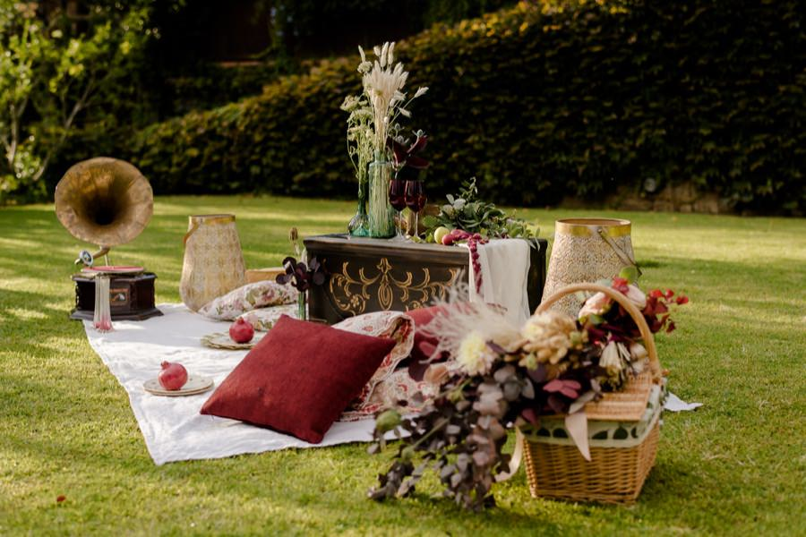 country chic wedding decoration pic-nic in tuscany