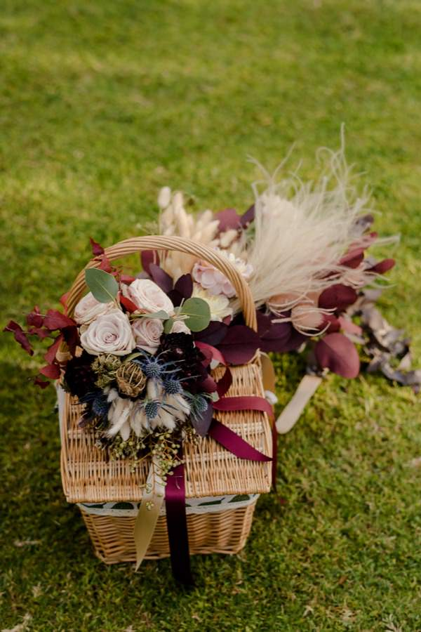 pic-nic basket country chic wedding