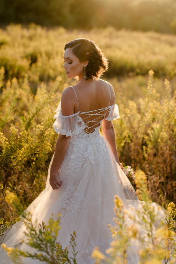 bride portrait golden hour in tuscany