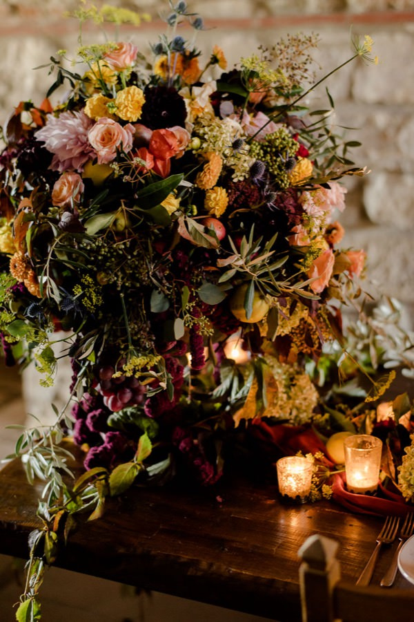 flowers decoration wedding in tuscany