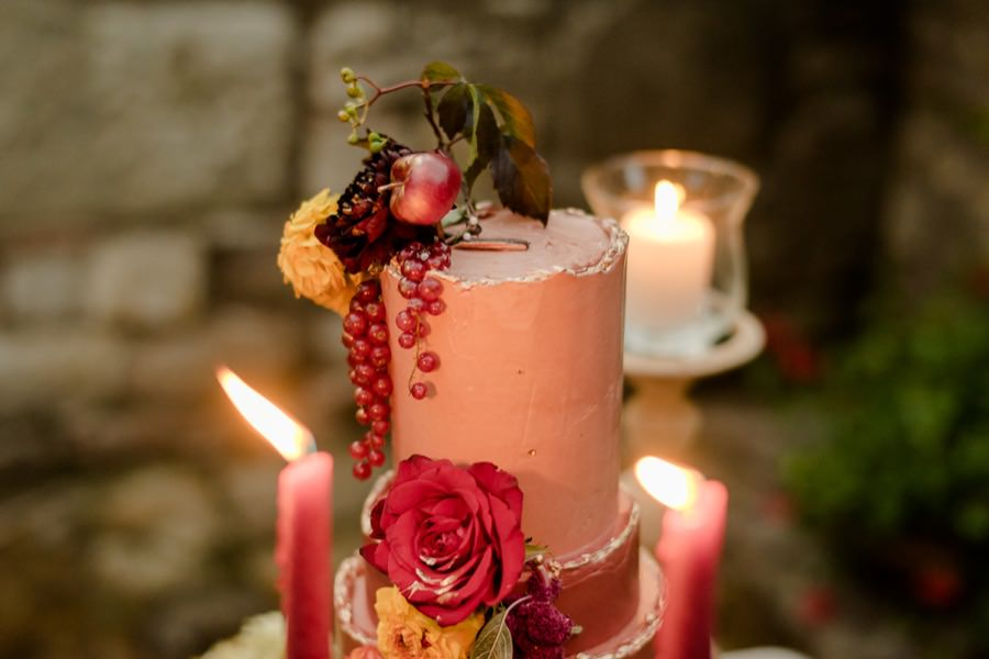 wedding cake tuscan wedding